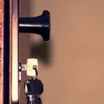החלפת מנעול לדלת