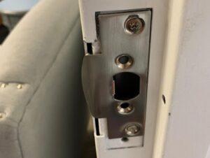 המנעולן שלך - פורץ מנעולים בתל אביב - החלפת מנעול לדלת