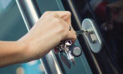 מהם הדברים שיש לבחון כאשר רוכשים מערכת נעילה לבית?