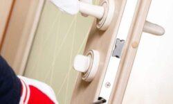 דברים שכדאי לברר לפני שמזמינים שירות של פורץ דלתות